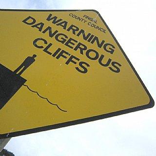 Warning Dangerous Cliffs © Alexander Gautsch